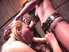 Asian lesbians fuck chick in cellar